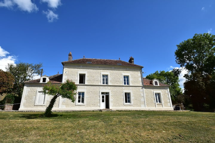 Cozy Mansion in Montreuil-la-Cambe with Garden