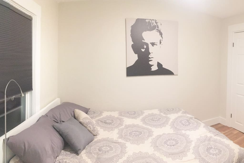 BR2 - the James Dean room