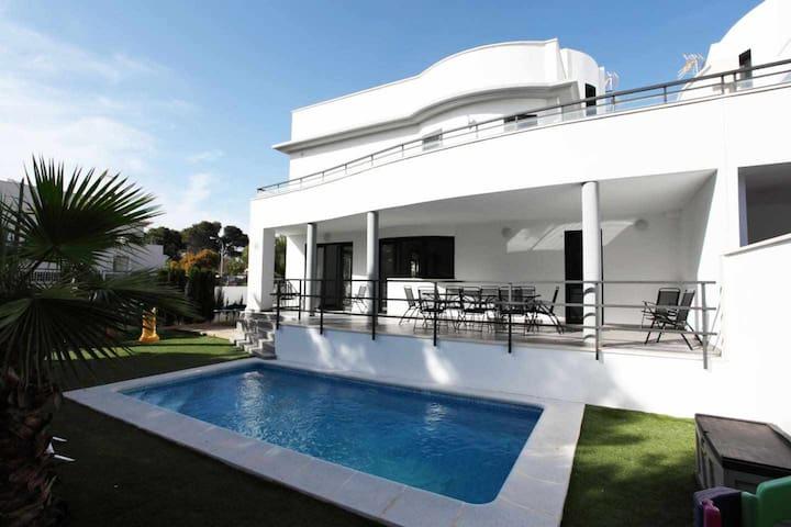 Villa Can Pastilla II, private pool near the beach