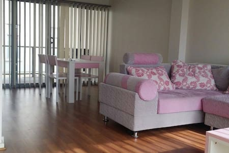 Private double room with ensuite - Mawson Lakes