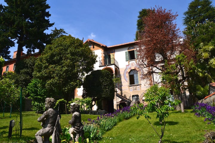Villa Mantegazza, a family mansion on Lake Como