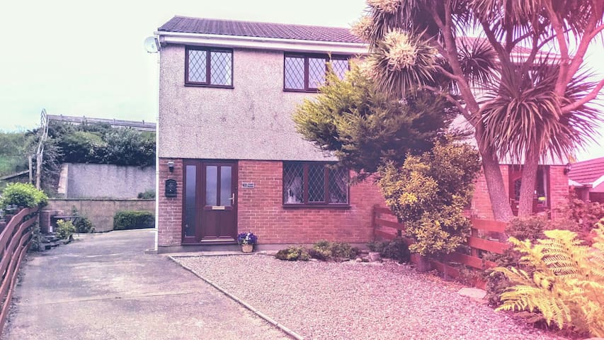 Cooil House Douglas. 3 Bedroom Self Catering. ****