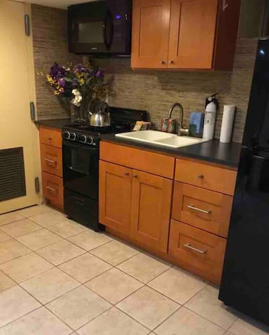 Private Suite with 2 beds and Kosher Kitchen- NYC