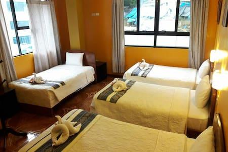 Habitacion privado con 4 camas en PERÚTAMBO