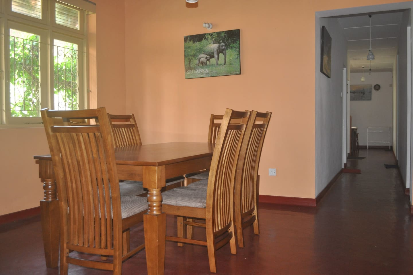 Dinning room and walkway to the bedrooms.