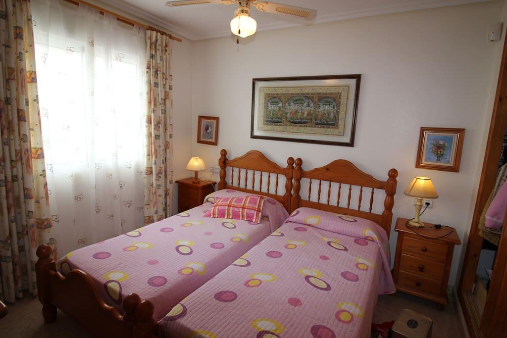 Dormitorio 1 Amarios empotrados