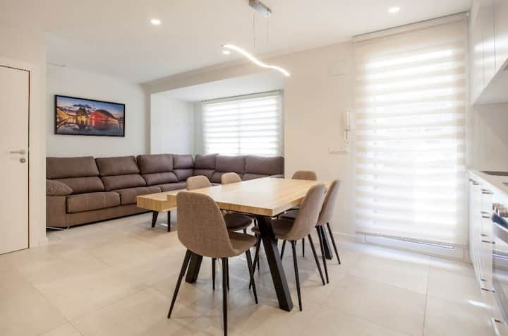 Light, modern apartment in the heart of Valencia