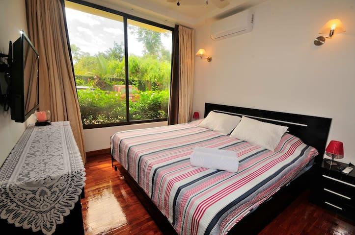 2 bedroom 2 bath Suite , Paradise!!