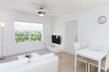 Charming 1 bedroom in South Beach - Miami Beach - Apartment