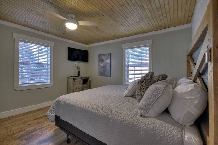 King size bedroom with smart TV