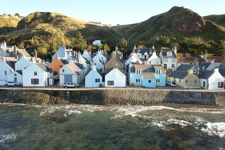 The Conners, a fishermans cottage by the sea