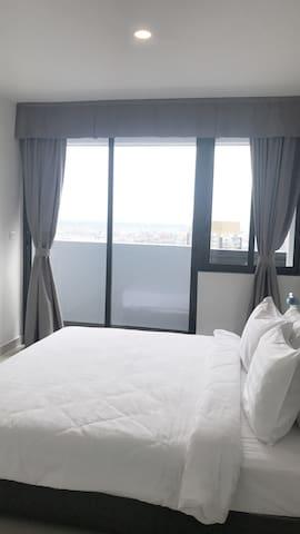 2-Bedroom Clean & Comfortable Home(Fantastic View)