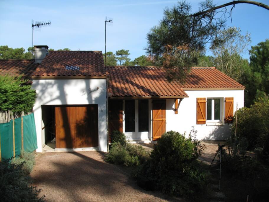 Maison dans quartier calme r f 620 maisons louer la for Garage peugeot la tranche sur mer