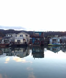 Floating Home Get Away - Sausalito - Andere