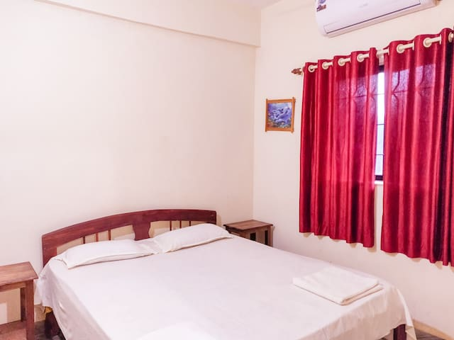 AC Bedroom - Clean and fresh bed linen provided during your stay