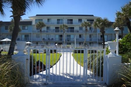 Oceanfront family-friendly Condo - 弗拉格勒海滩 (Flagler Beach) - 公寓