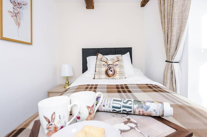 Ivy House, Luxury Cheshire Cottage for relaxation
