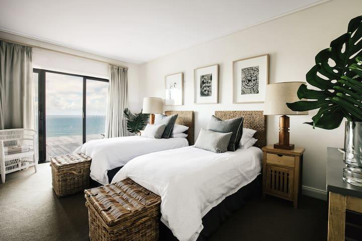Makuuhuone 4