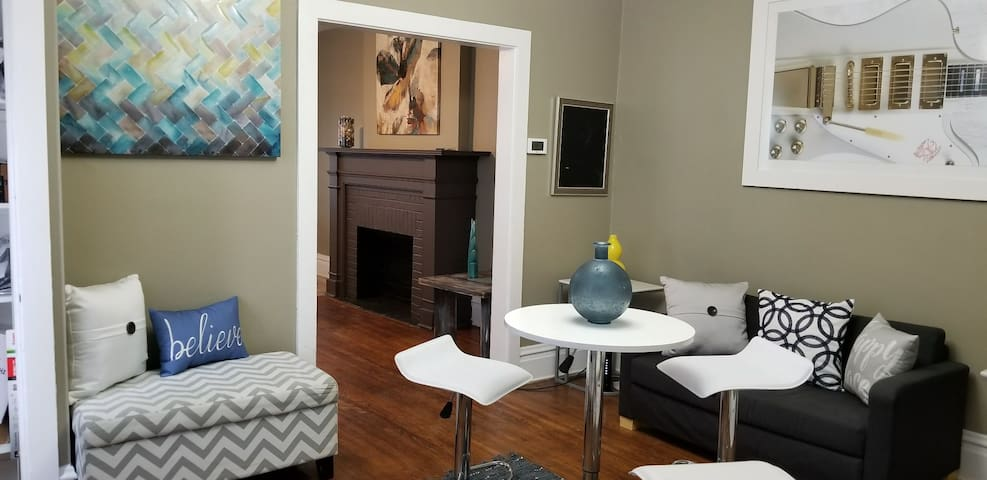 Cozy Home In Heart of Harrisburg (New Listing)