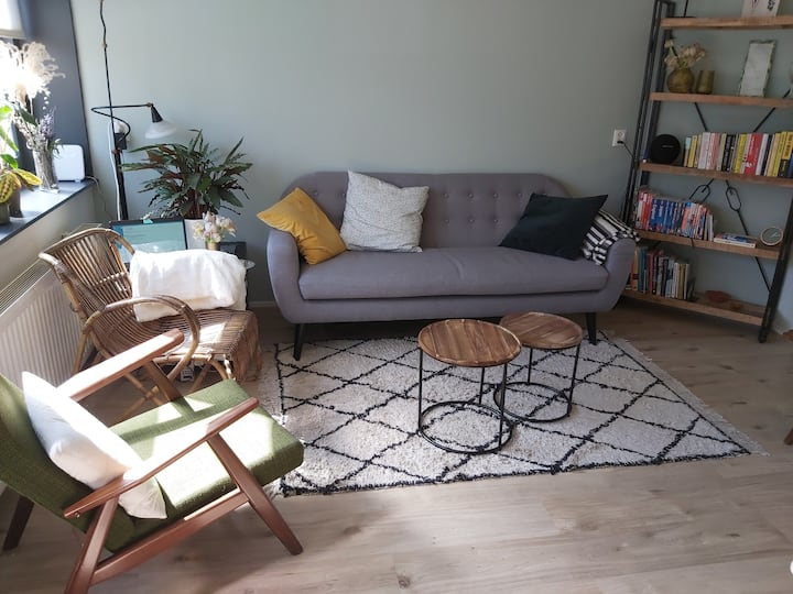 Lovely apartment with sunny garden in quiet neighb