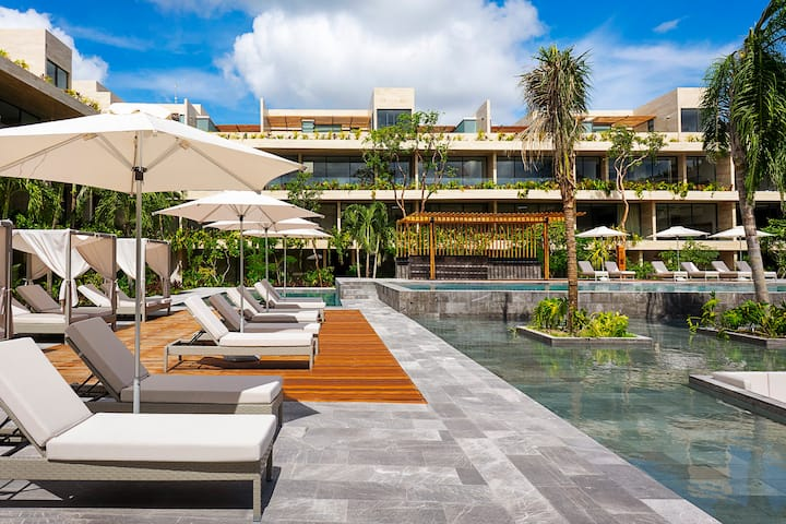 Ground floor, Luxury Studio with Beach access