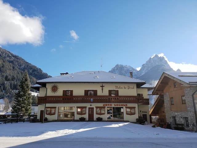 Five-room with typical stube in Val di Fassa