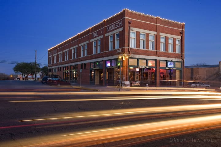 HISTORICAL DOWNTOWN LOCATION!