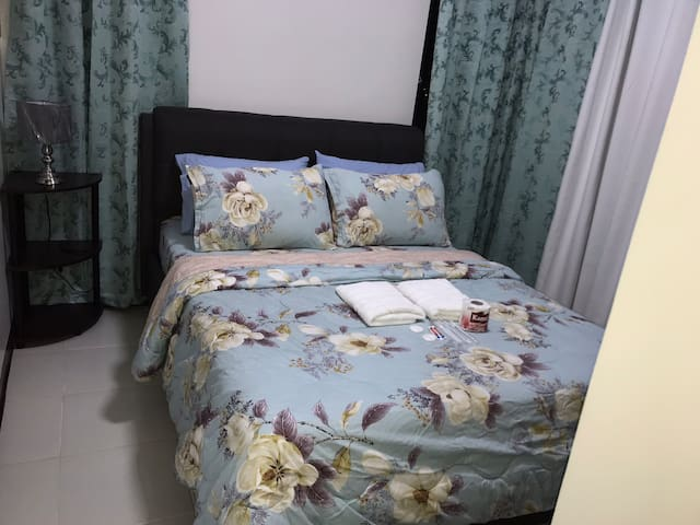 Shanilyn's 1Bed Spacious Apt. Shaw MRT Mandaluyong
