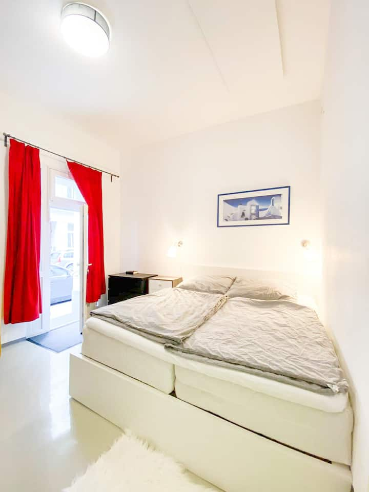 Studio|10 min to Citycenter|33m²|Smart TV|Kingbed