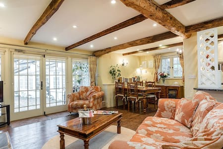 The Hayloft idyllic luxury cottage near Totnes