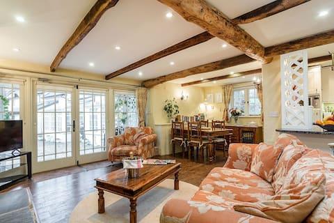 The Hayloft idyllic luxury cottage near Totnes