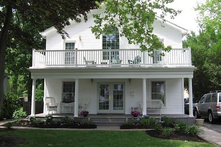 The White House, Spring Lake - Spring Lake - Talo