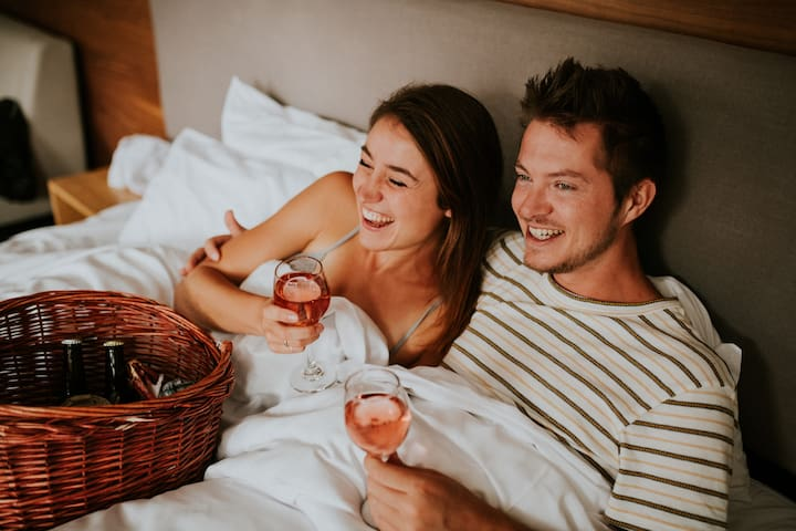 Romantic ❤️ Weekend Getaway Package incl Breakfast