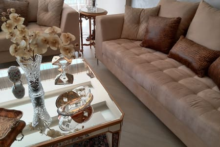 Spacious, comfy & easy access to major areas - Beirut - Lägenhet