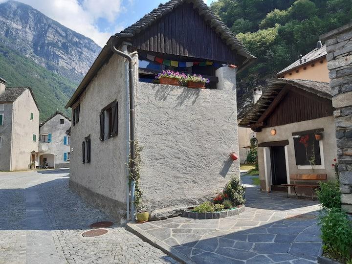 Casa rustica nel nucleo del paese vecchio