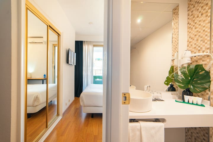 Habitación individual con terraza y con desayuno en Hotel Cetina Murcia