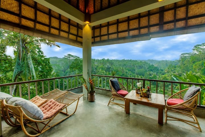 The Tropical Romance Suite@Sayan Terrace