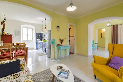 Sunny flat with roof terrace Bosa