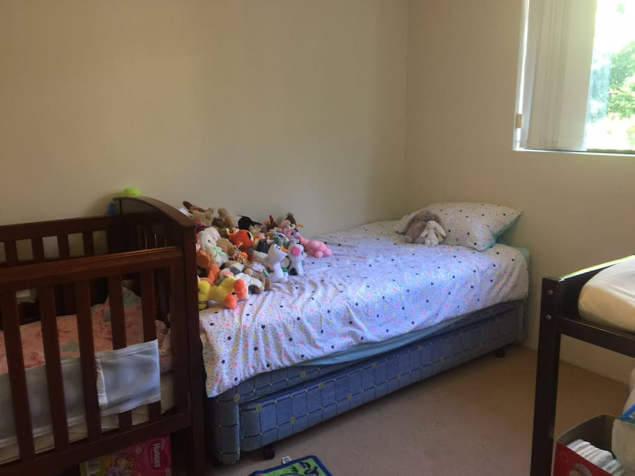 Bedroom 2 with king Trundle and cot