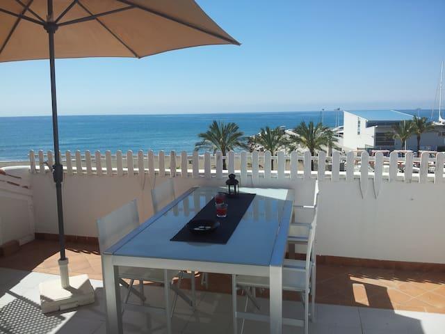 Apartamento 1ª Línea playa wifi,a/a - Caleta de Velez - Apto. en complejo residencial