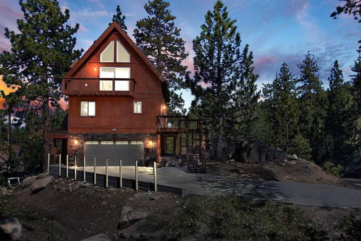 Boulder Bay Bear Cabin