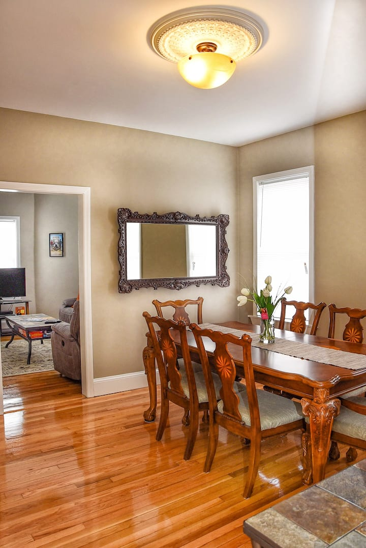 2B Apt in Fed Hill  close to Downtown and Airport