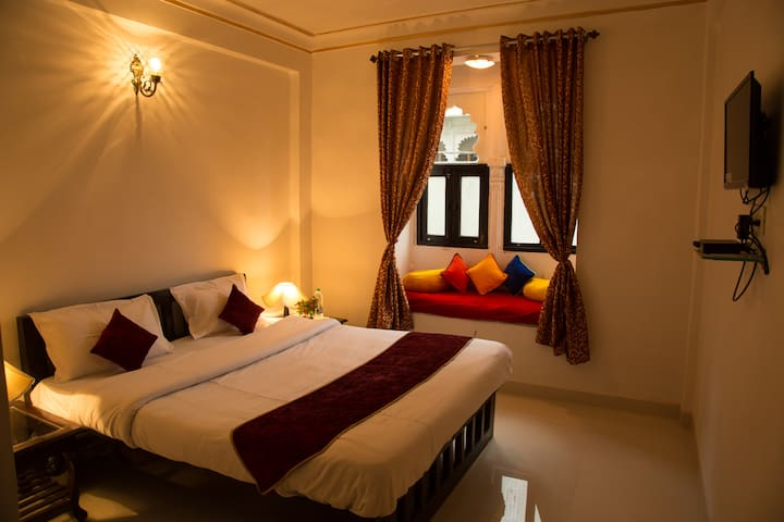 Room with Double bed @ Sheet nager