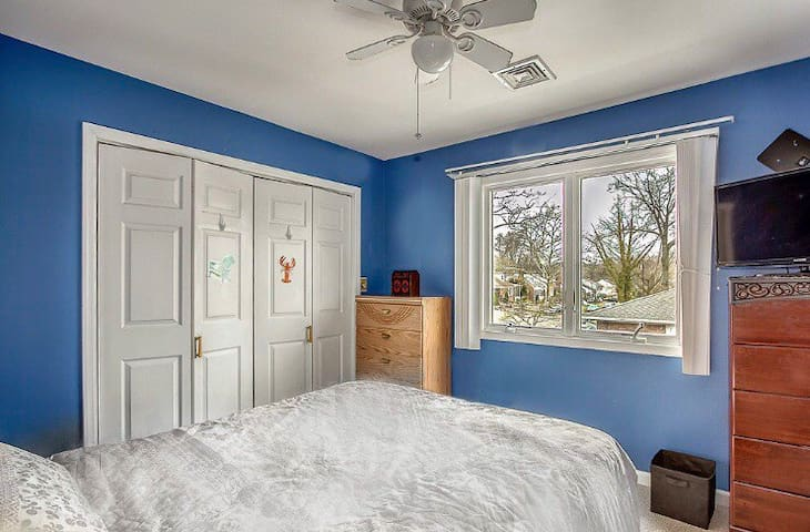 Beautiful Room 20 min from Newark Airport