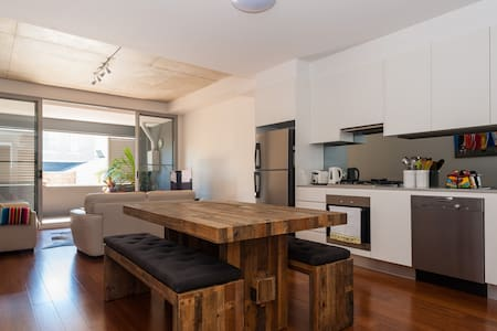 New 1 bedroom apartment at a great location - Erskineville - Apartment