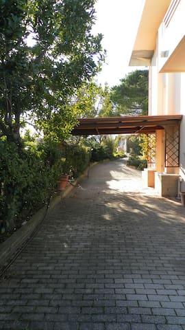 Splendida Villa immersa nel verde - Provincia di Chieti - Villa