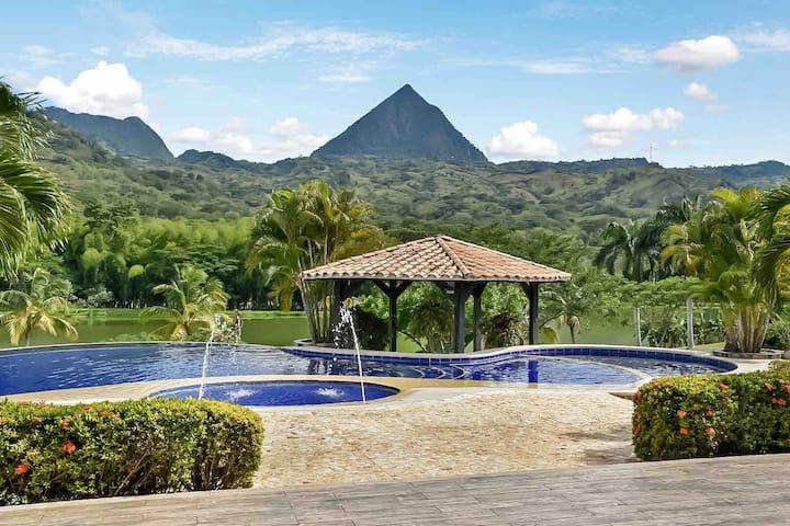 Stunning Villa With Pool, Chef, Movie Theater