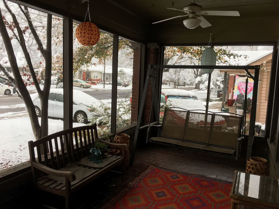 Screened front porch to fulfill all of your lounging desires (snow sold separately).