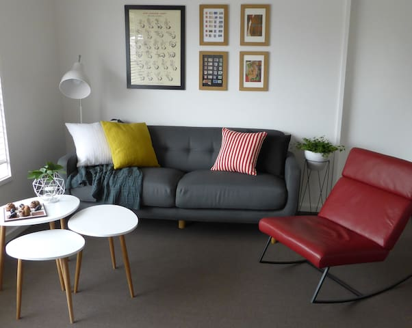 Luxe Quirkiness-Free WiFi & Netflix - Albury