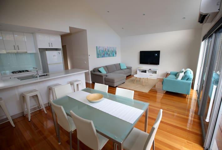 Fresh, new and modern open plan living.